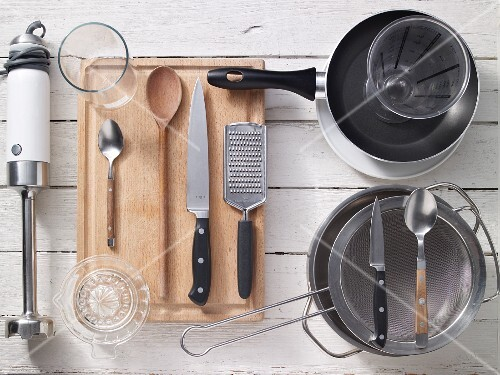 Kitchen utensils for making salad