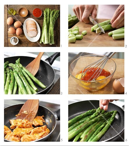 How to prepare green asparagus with chicken breast and scrambled egg