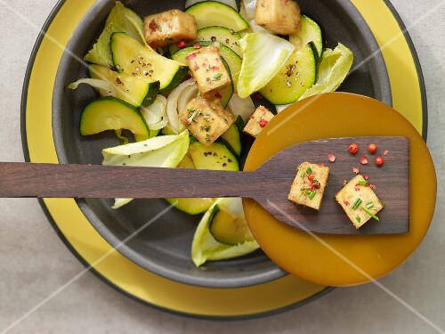 Caramelised tofu with chicory and courgette