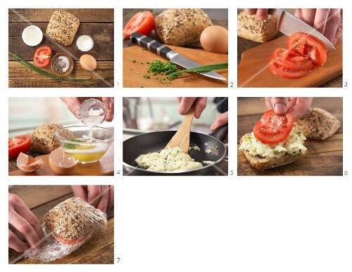 How to prepare scrambled egg with chives in a roll
