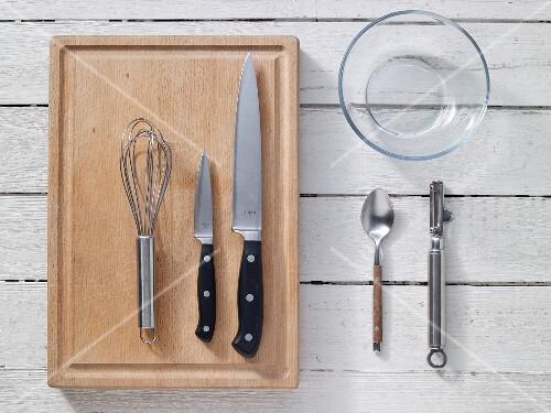Kitchen utensils for preparing fruit yoghurt