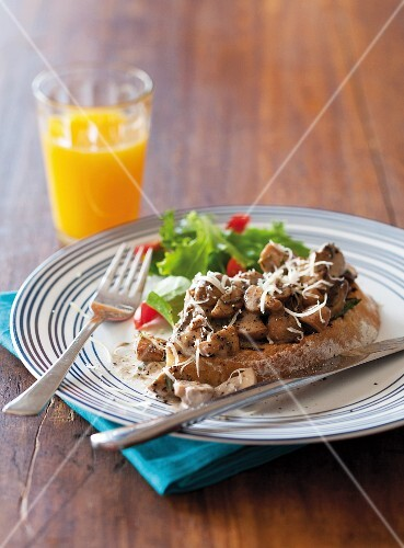 Toast with mushrooms and Parmesan