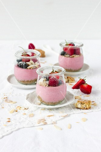 Cantuccini & berry dessert