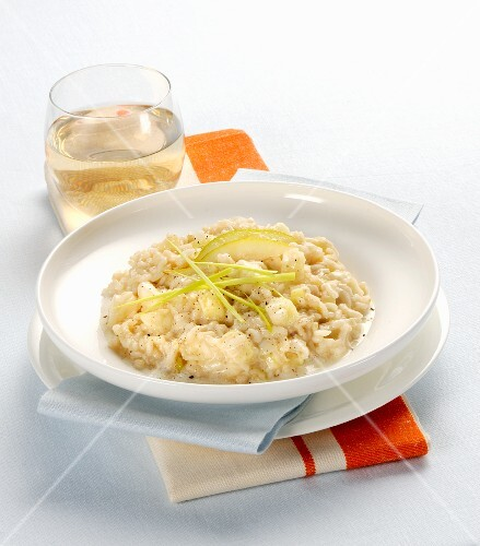 Risotto porri, pere e taleggio (Italian risotto with leek, pear and cheese)