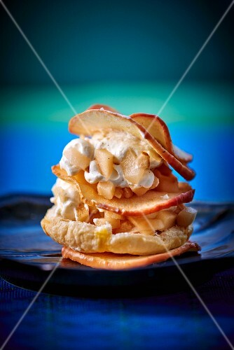 Millefeuille with apple and pear