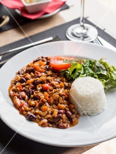 Vegan chili with seitan