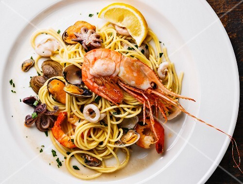 Spaghettis with seafood