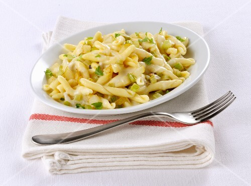 Strozzapreti with gorgonzola and pear