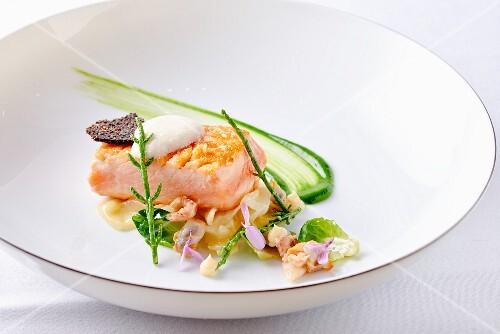 Norwegian salmon with saltwort