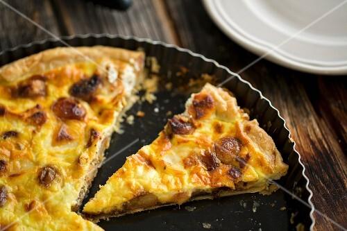 Sliced garlic quiche