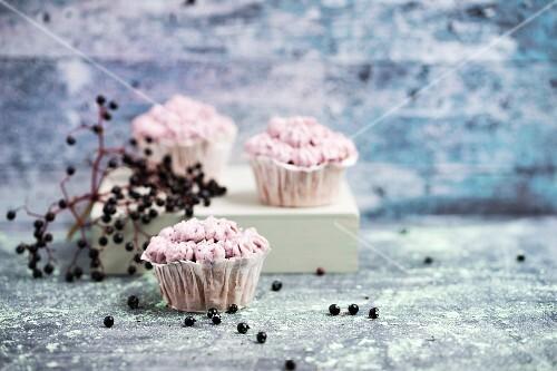 Cupcakes with elderberry cream