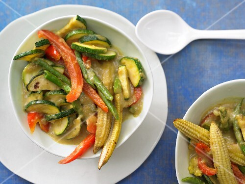 Yellow Thai vegetable curry