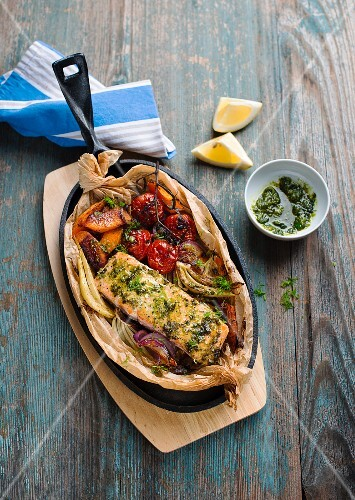 Baked salmon, pumpkin and fennel covered in honey sauce