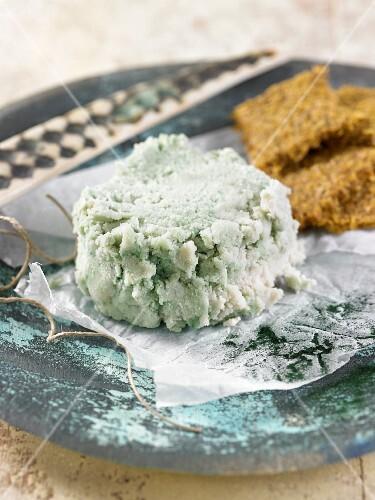 Vegan almond cheese with spirulina