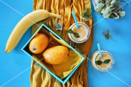 Mange and banana smoothie