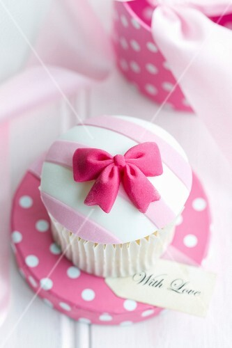 Cupcake in a gift box