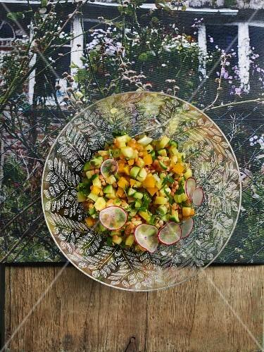 Lentil and pineapple salad with radish
