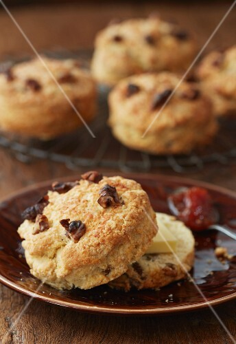 Cheese and walnut scones