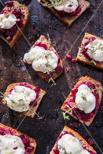 Beetroot bruschetta