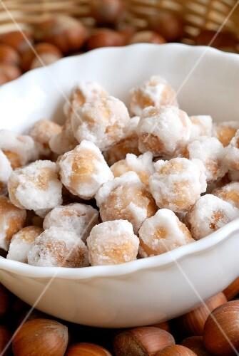 Nocciole glassate (sugar-coated hazelnuts, Italy)