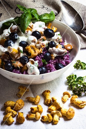 Blueberry risotto with chanterelle mushrooms