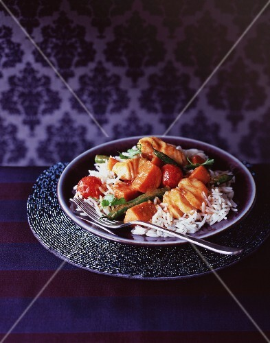 Fish with vegetables and rice