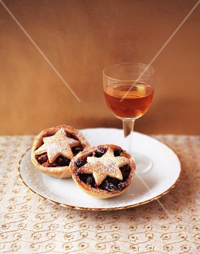 Mince pies and a glass of dessert wine for Christmas