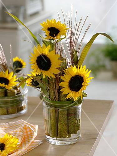 Tischdeko Mit Sonnenblumen Und Bild Kaufen 12168614