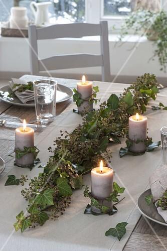 Efeu Tischdeko Mit Kerzen Bild Kaufen 12185312 Friedrich