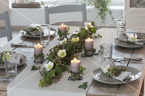 Efeu Tischdeko Mit Kerzen Bild Kaufen 12185314 Friedrich
