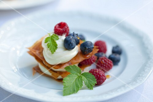 Millefeuille with lemon cream and berries