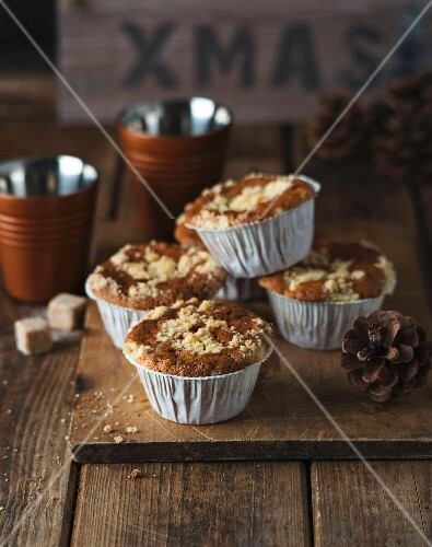 Apple streusel muffins for Christmas