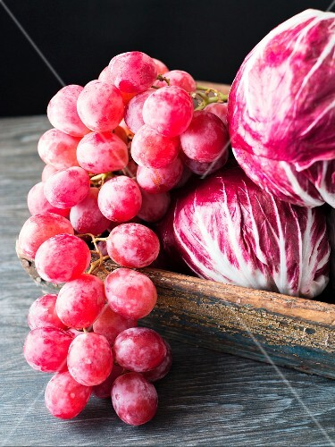 Purple grapes with radicchio
