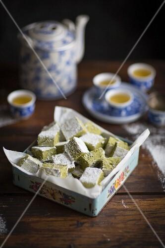 Matcha marshmallows and green tea