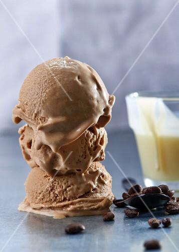 Coffee and chocolate ice cream with vanilla sauce