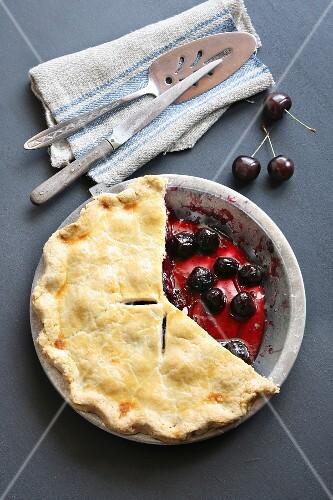 Freshly baked cherry pie