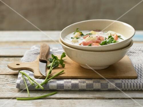Schnüsch (milk and vegetable stew with ham, Northern Germany)