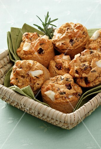 Goat s cheese and sun dried tomato muffins