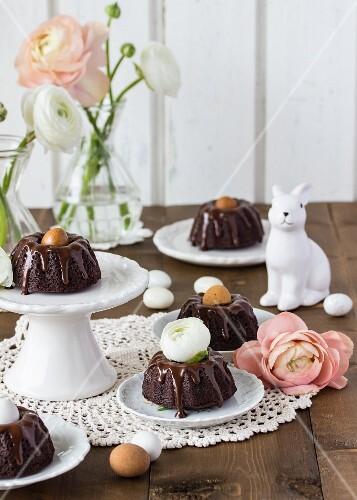 Mini chocolate gugelhupfs with Baileys for Easter