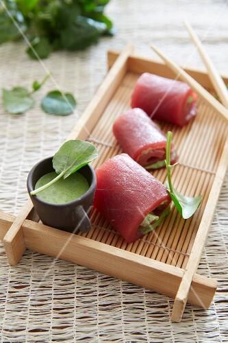 Tuna rolls with a watercress sauce