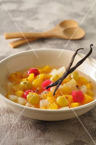 Fruit salad with vanilla pods