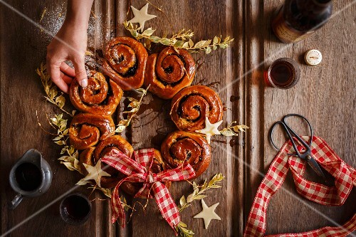 A wreath of mince whirls with sherry for Christmas