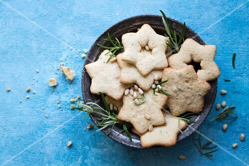 Star biscuits with rosemary and pine nuts for Christmas