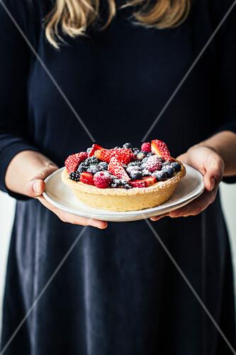 Small berry cake
