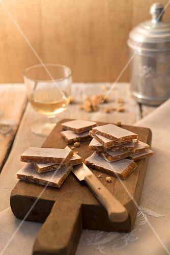 Cupeta (walnut slices, Italy)