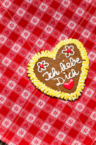 Gingerbread heart with sugar letters