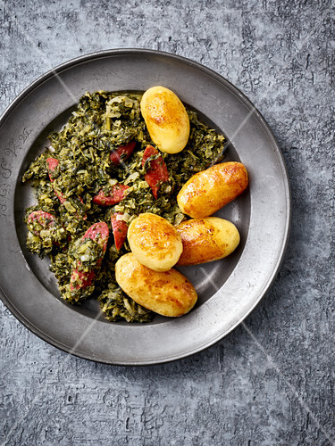 Northern German kale with game sausages