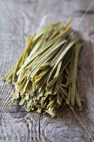 Dried edamame noodles