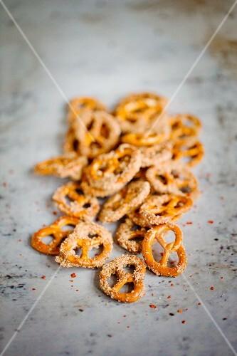 Crunchy sugar and cinnamon pretzels