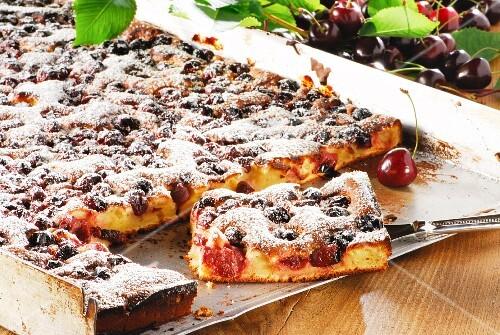 Tray-baked cherry cake